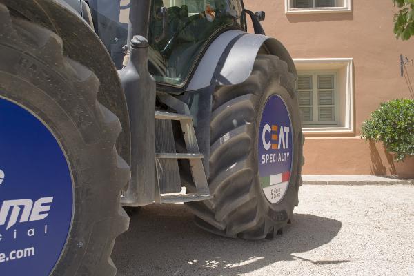 Dehesa de Los Llanos acoge la presentación de los neumáticos CEAT Specialty